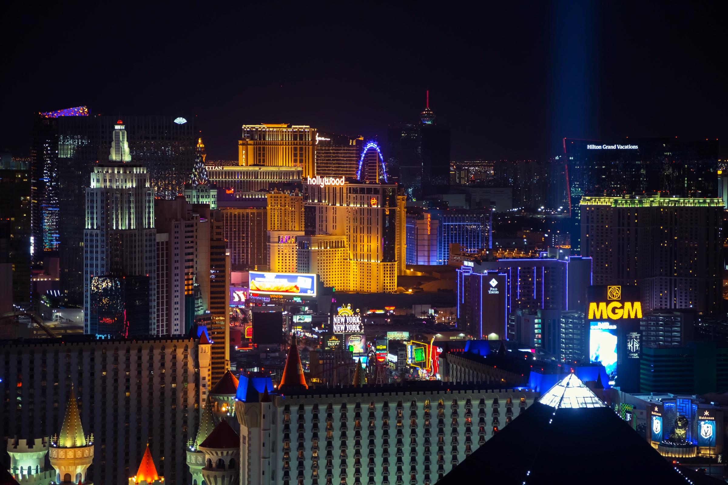 Vegas-2400x1600